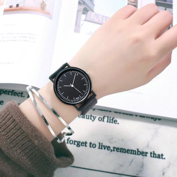 하나더 AEN 아날로그 MSTIANQ 심플블랙 손목시계 와치