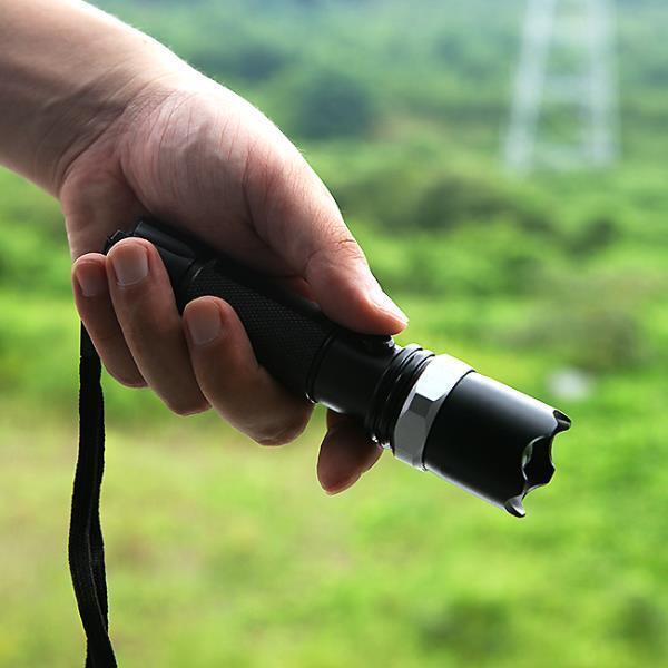 LED 줌 후레쉬점멸기능 미니 손전등