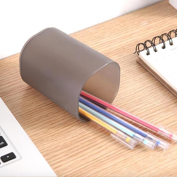 반투명 연필통